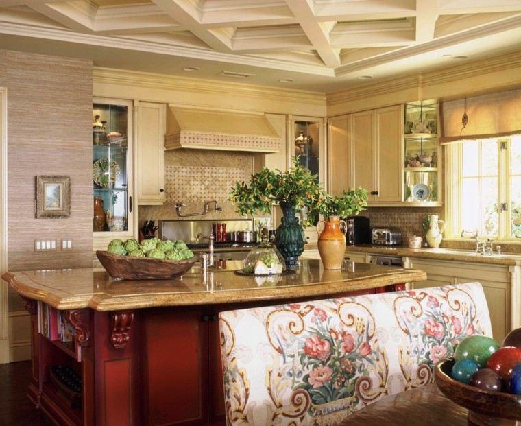diseño cocina pequeña estilo tradicional