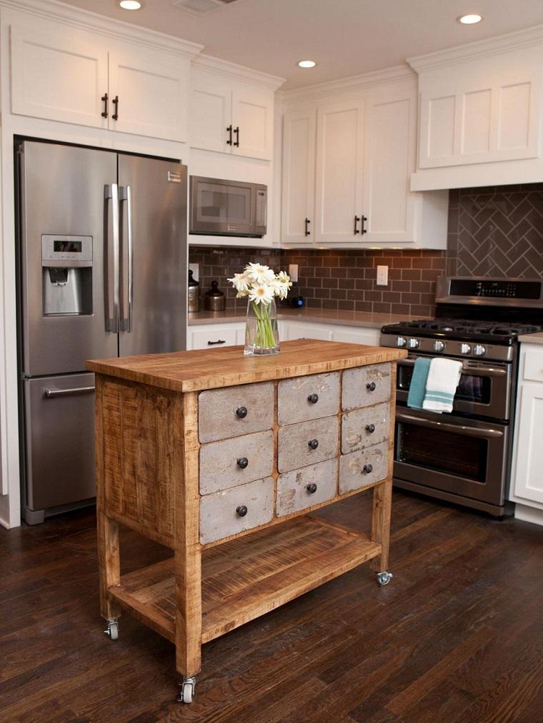 cocina-pequena-isla-madera-ruedas-estilo-rustico Blog