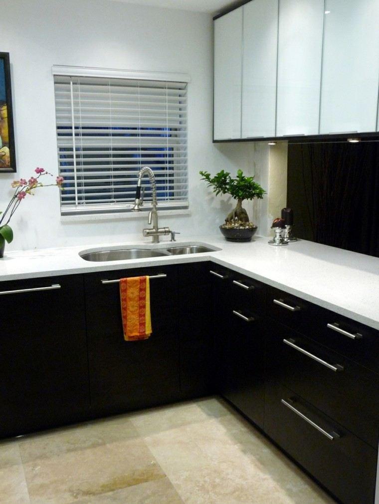 Cocinas blancas y negras 50 ideas geniales a considerar for Colores de granito para cocinas blancas