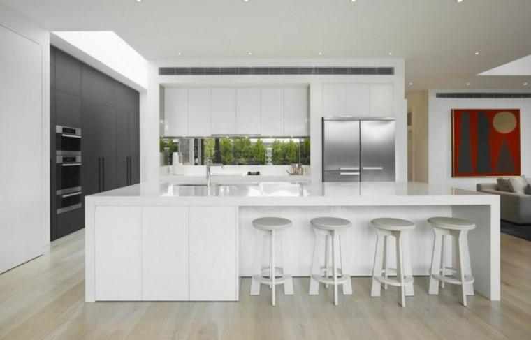 Cocinas de dise o blanco marcando la diferencia - Taburetes de cocina de madera ...