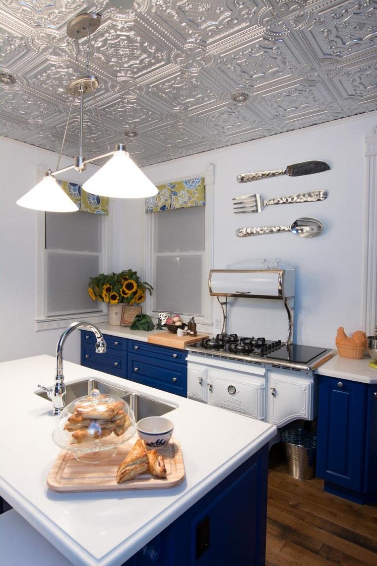 cocinas pequeñas modernas decotacion pared armarios azules ideas