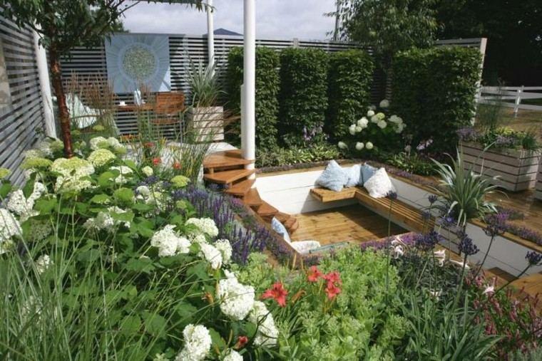 confort patio flores blancas cojines