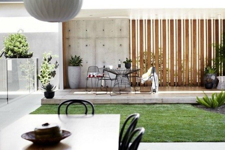 confort patio listones madera cesped