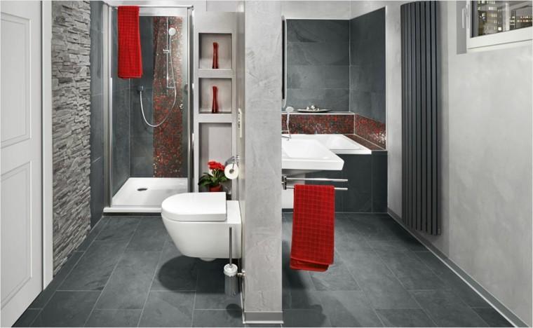 creativo paredes baño toalla rojo