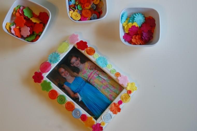 cuadros hermanas botones colores colorido