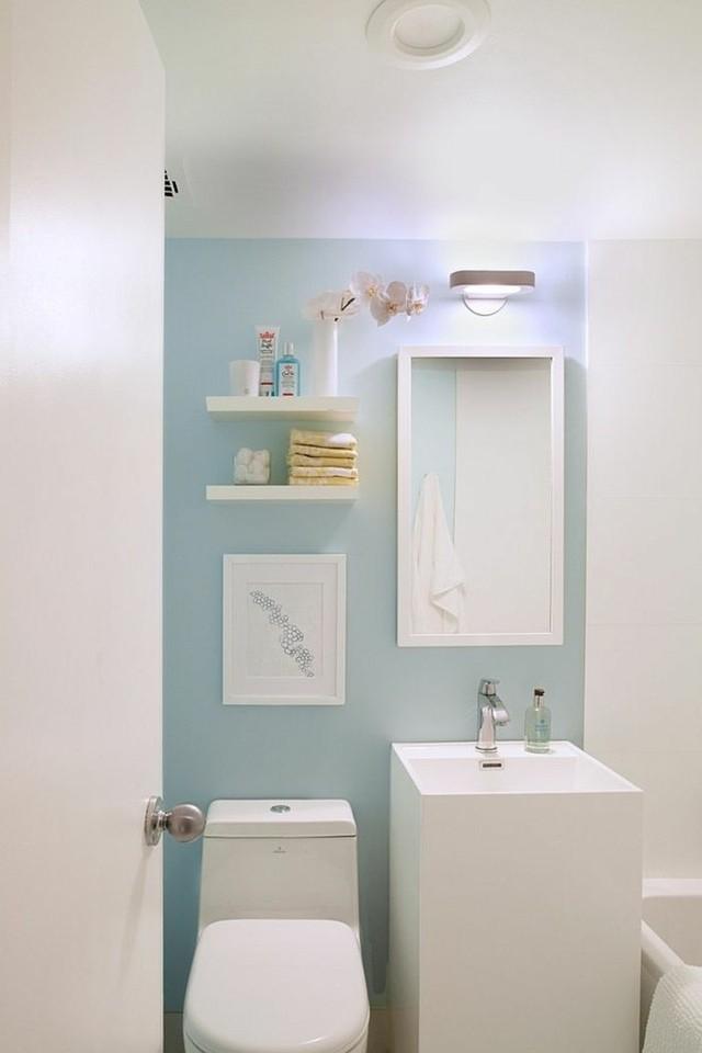 cuarto baño color azul celeste