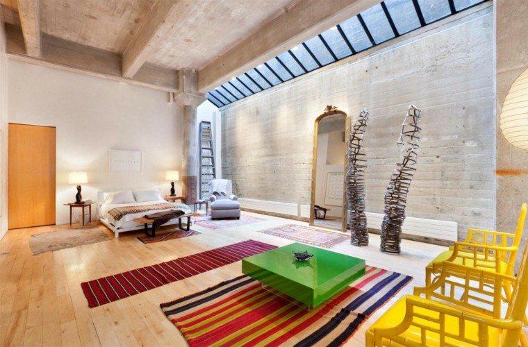 decoración loft amplio abierto muebles colores vibrantes ideas