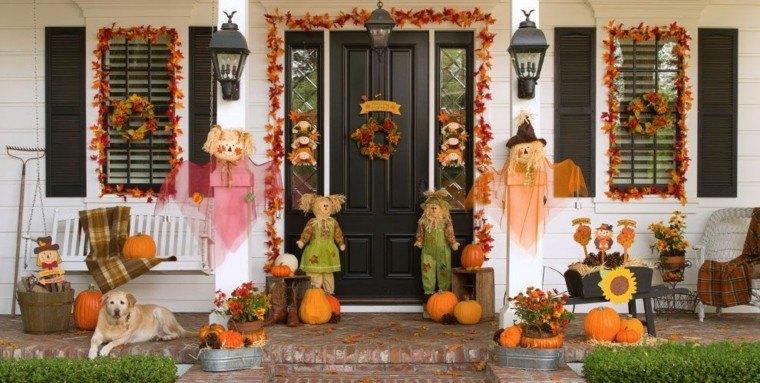 decoraciones otono entrada casa espantapajaros hojas secas ideas