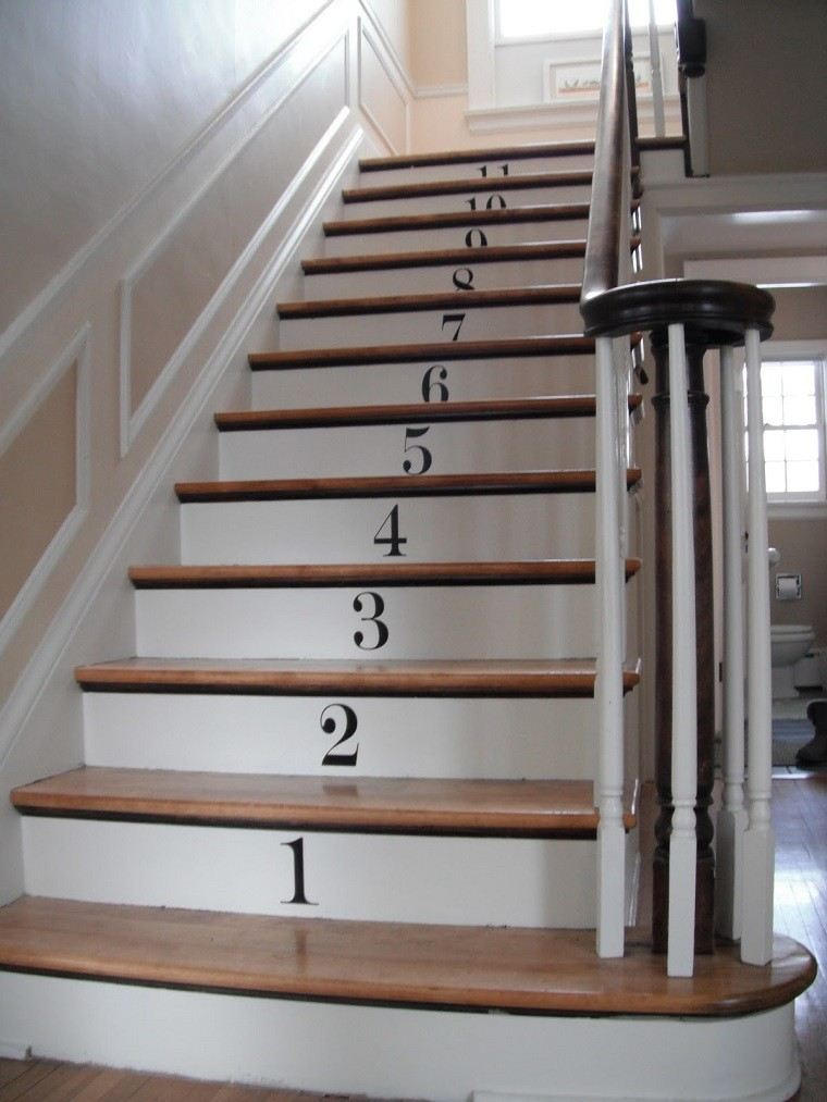 decorar escaleras peldaños pegatinas numerados