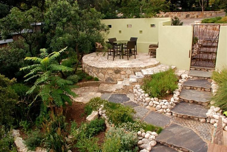 decorar terrazas pequeñas jardin trasero escalera piedras ideas