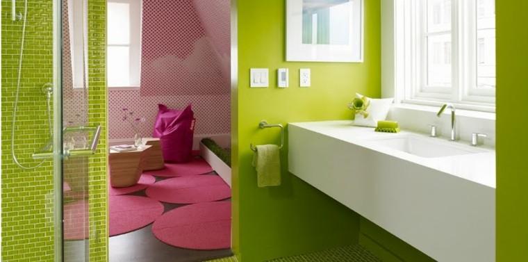 diseño baño moderno verde rosa