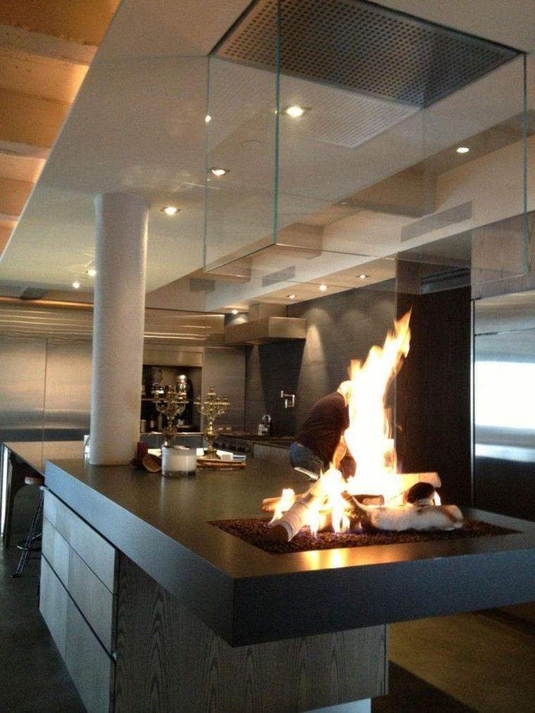 diseño chimenea abierta madera cristal