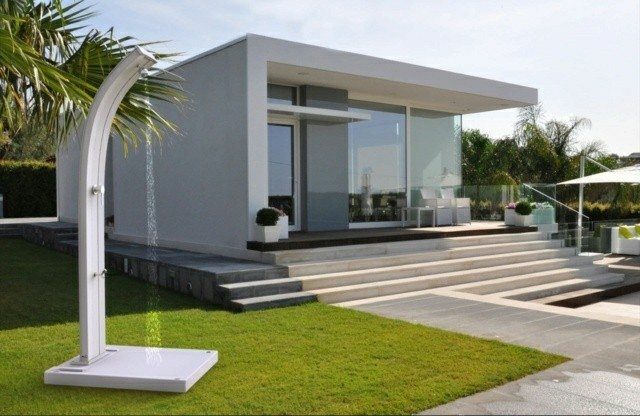 diseño ducha blanca jardin plato