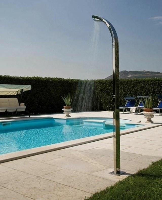 diseño ducha piscina metal jardin