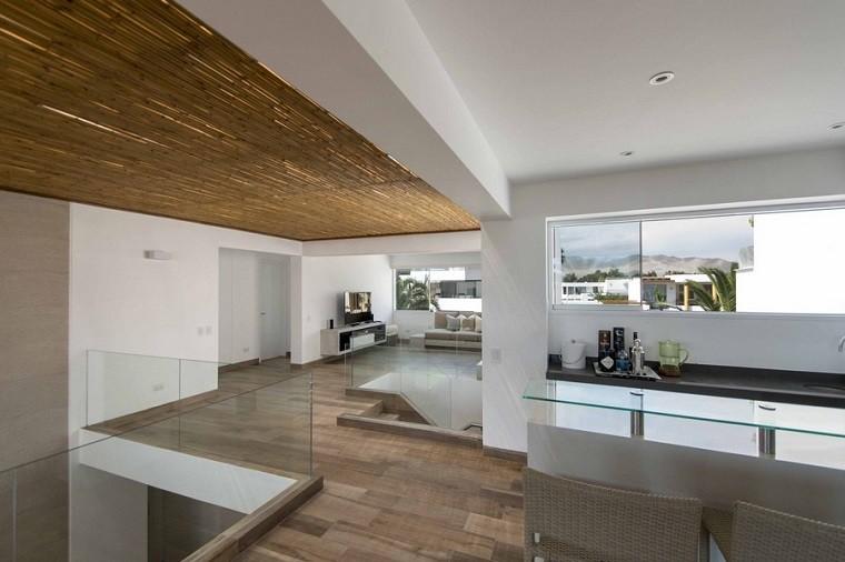 diseño interiores casa panda techos de madera