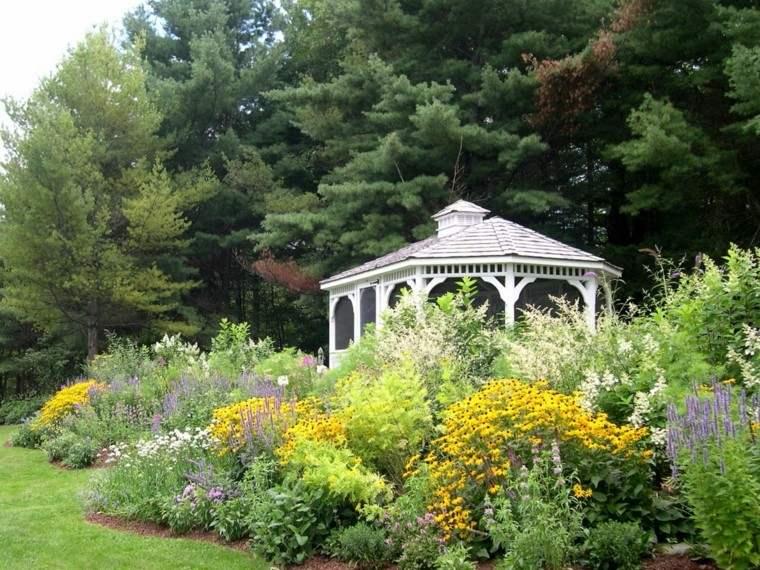 diseño jardines casa blanca madera