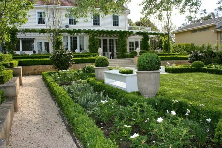 diseño jardines clasico grava sendero