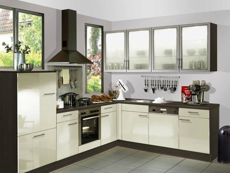 distribucion cocina estilo pequeña estantes