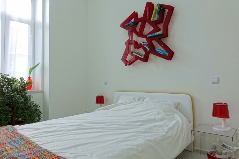 dormitorio estilo minimalistas estanterias roja pared ideas