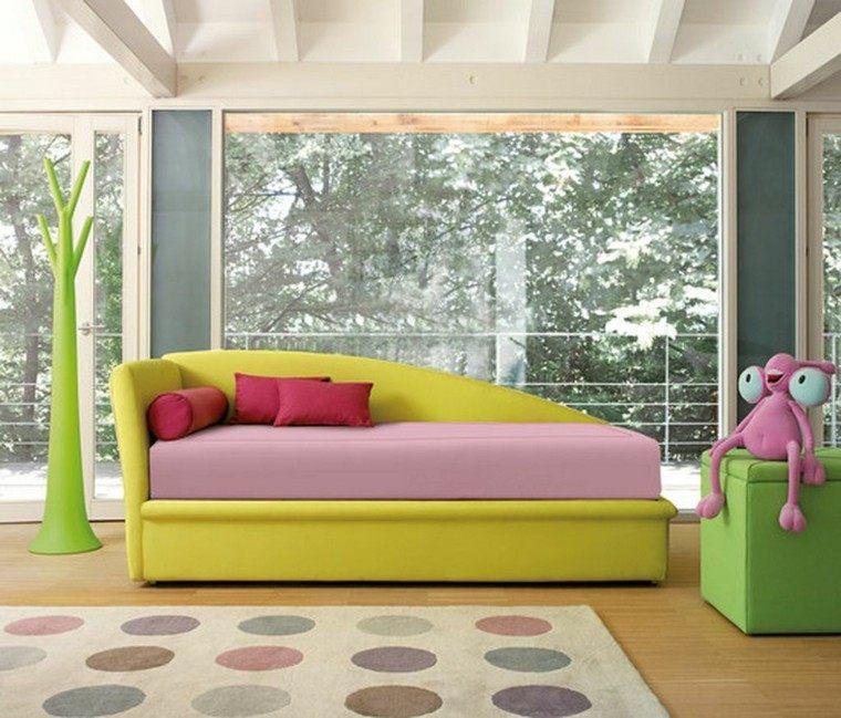 dormitorio infantil juguete arbol alfombra