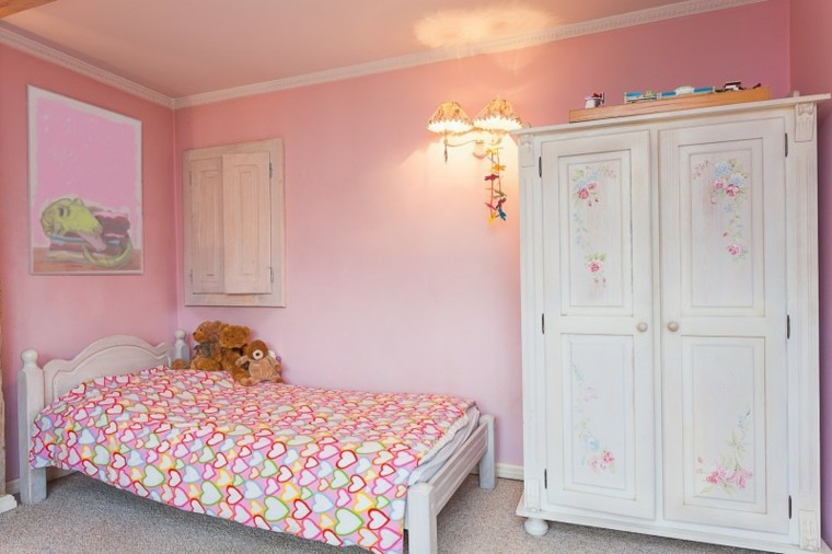 dormitorio niña retro rosa vintage