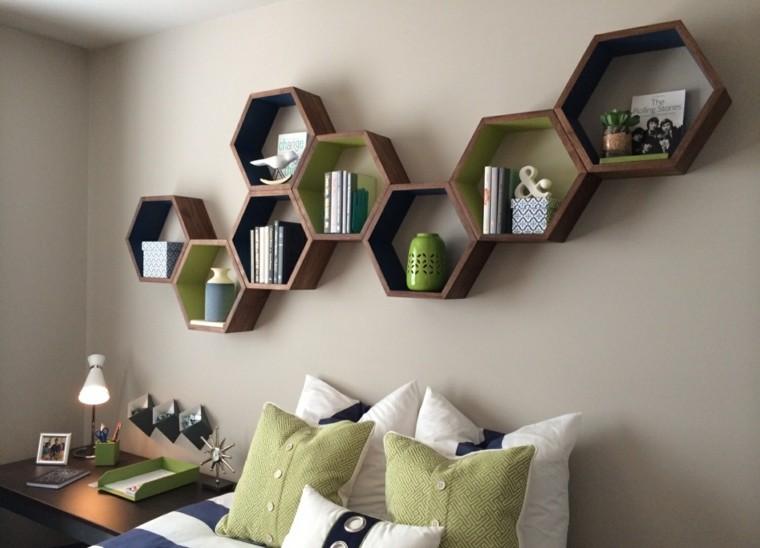 dormitorio pared estanterias madera utiles bonitas ideas
