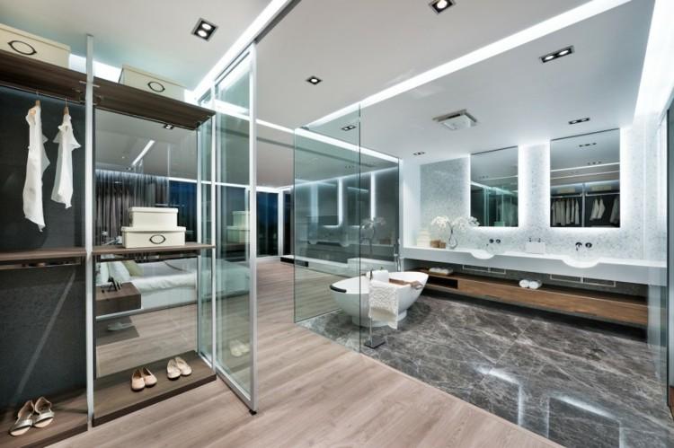Baño Vestidor Moderno:Cuartos de baño acristalados en el dormitorio – 25 ideas