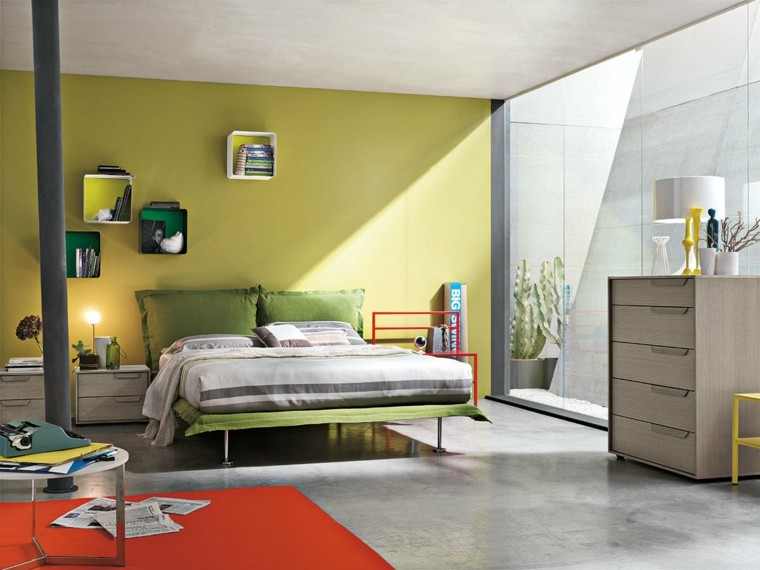 dormitorios matrimonio modernos colores vibrantes pared alfombra roja ideas