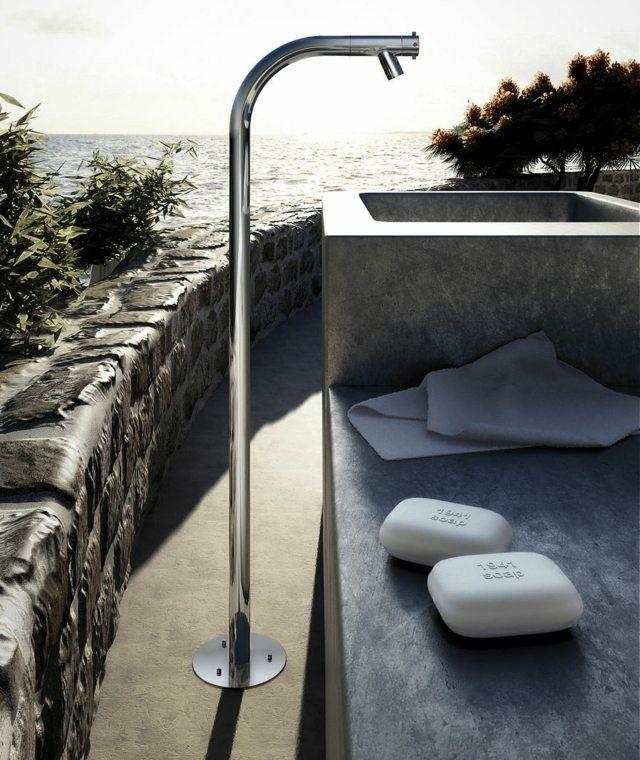 ducha moderna aluminio jardin jabones
