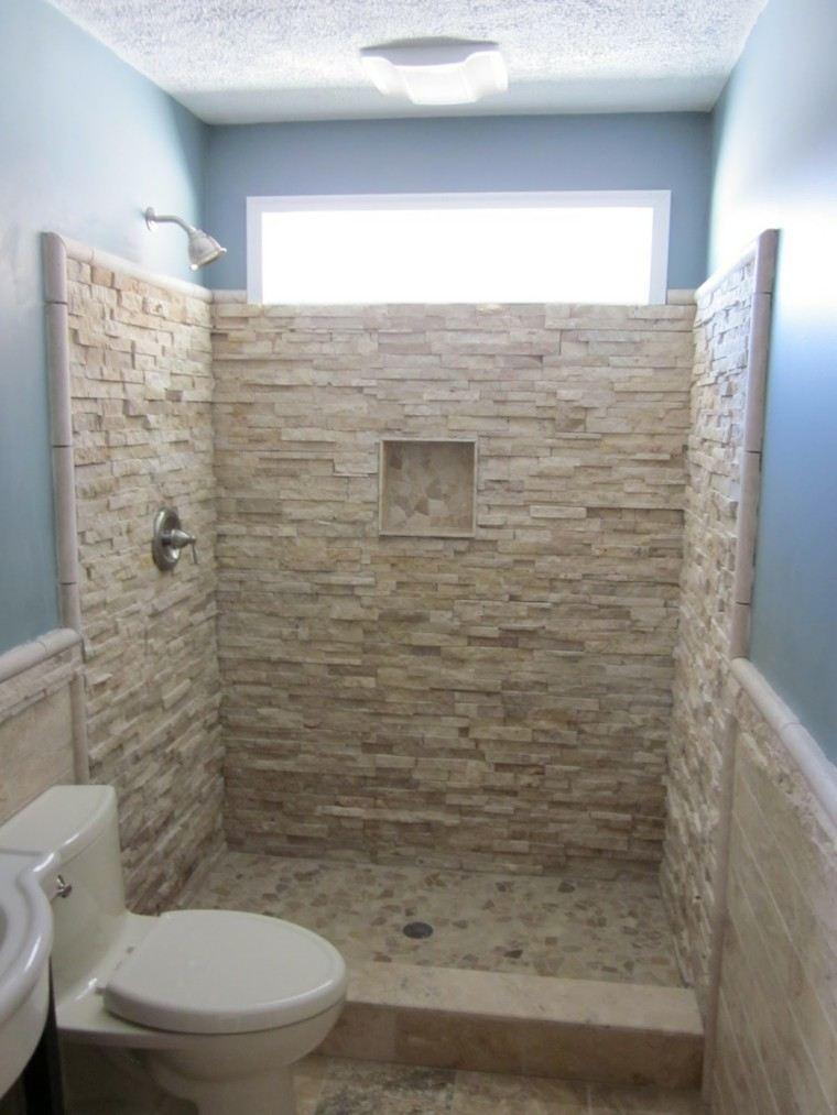 ducha piedra baño pequeño celeste