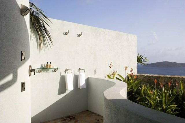 dos duchas terraza estilo marroqui