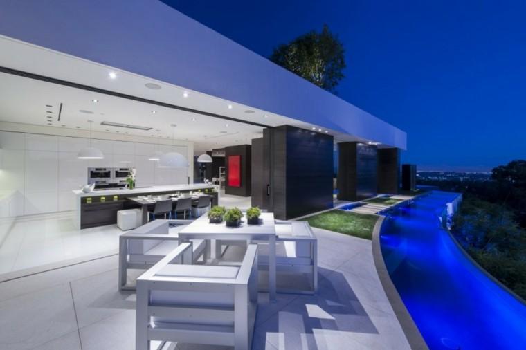 sleek modern design edging furniture