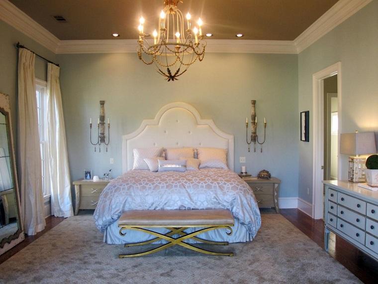 escapada romántica cama blanca taburete interesantes ideas