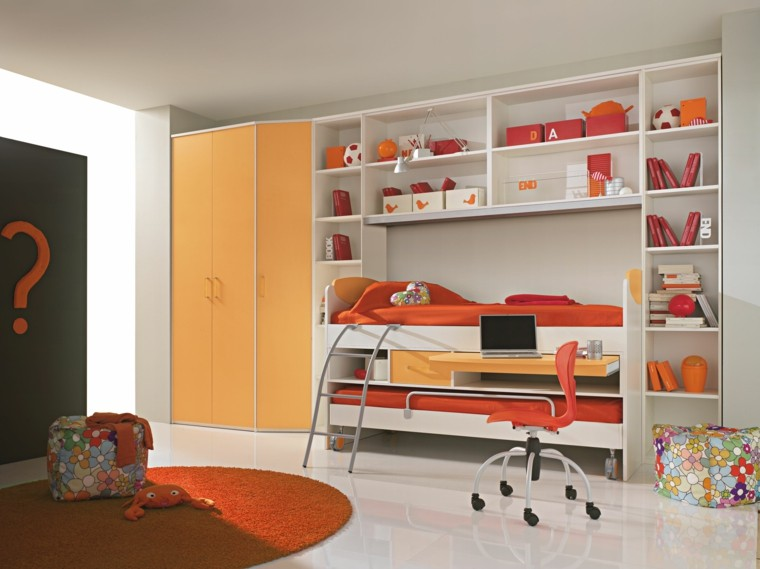 espacio almacenamiento puertas signo naranja