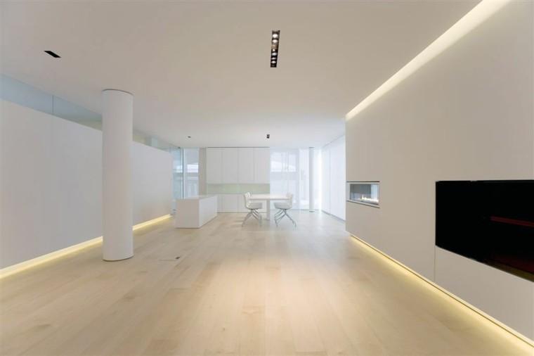 espacios en blanco cocina minimalista amplia suelo madera ideas