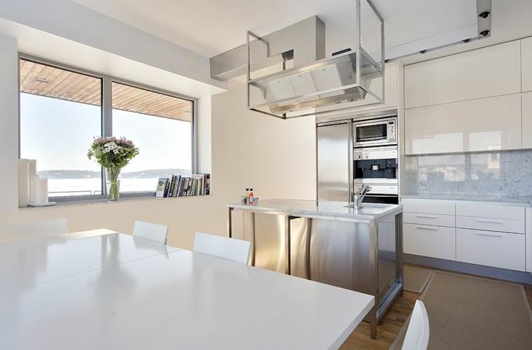 espacio en blanco cocina minimalista isla acero ideas