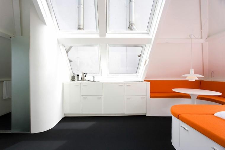 espacio en blanco cocina minimalista pequena sofa naranja ideas