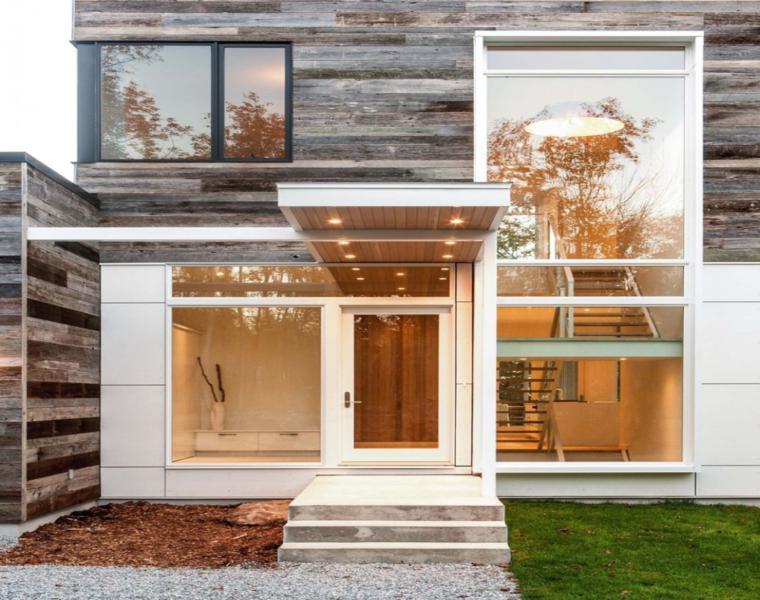 la hermosa combinacin de texturas comienza con la fachada de la casa que cuenta con un exterior de cemento de vidrio y blanco para la planta