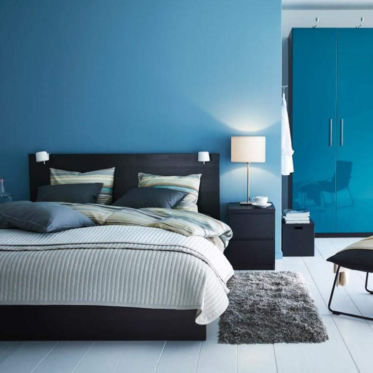 gama de colores armario almohadas lamparas