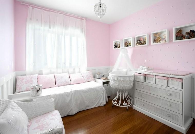 habitacion bebe cuna blanca pequena estantes pared ideas