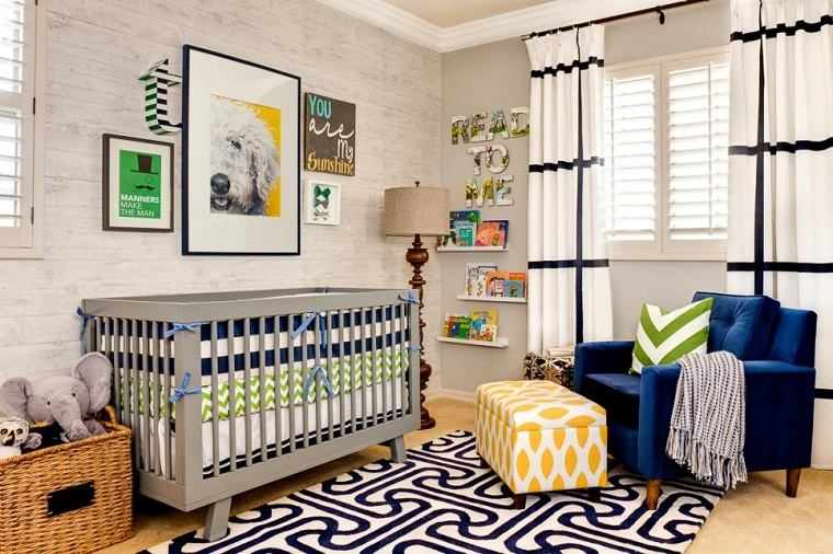 habitacion bebe cuna gris taburetes sillon alfombra colores ideas