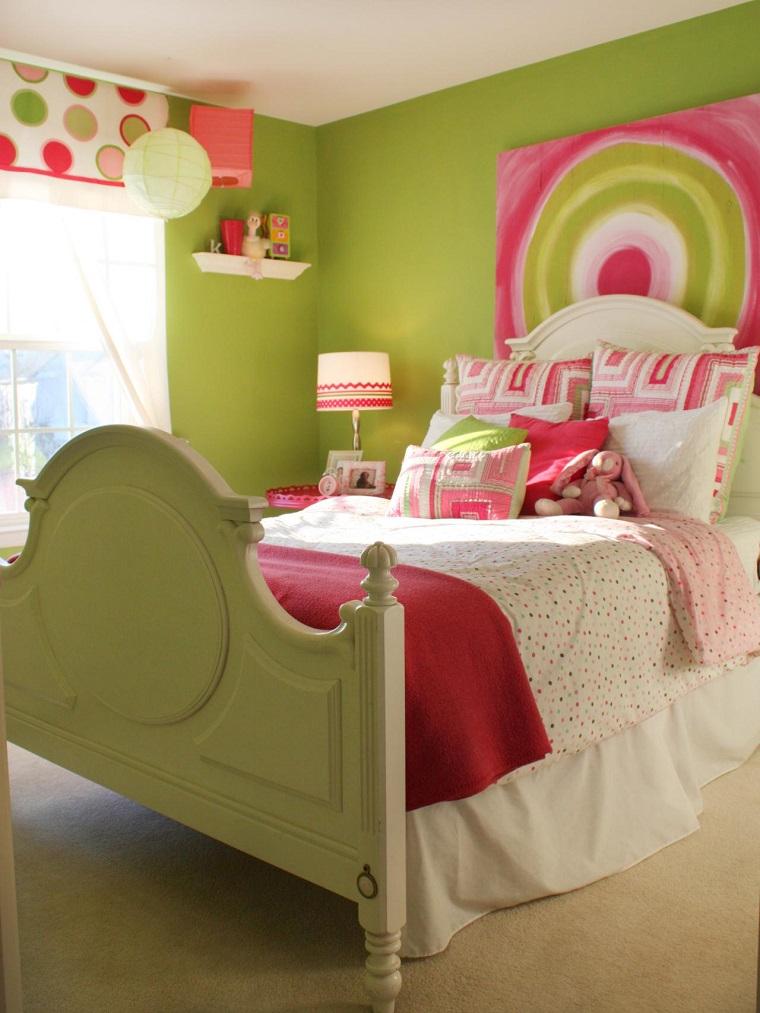habitación juvenil niña pared verde cama grande madera blanca ideas