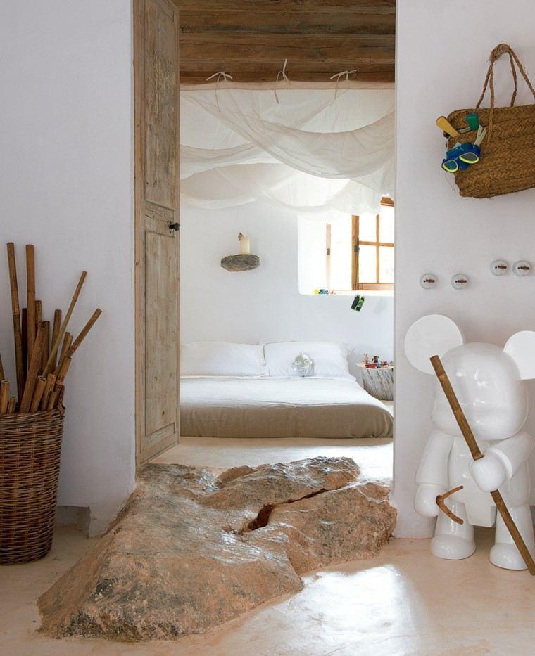 habitacion color blanco cesto madera oso