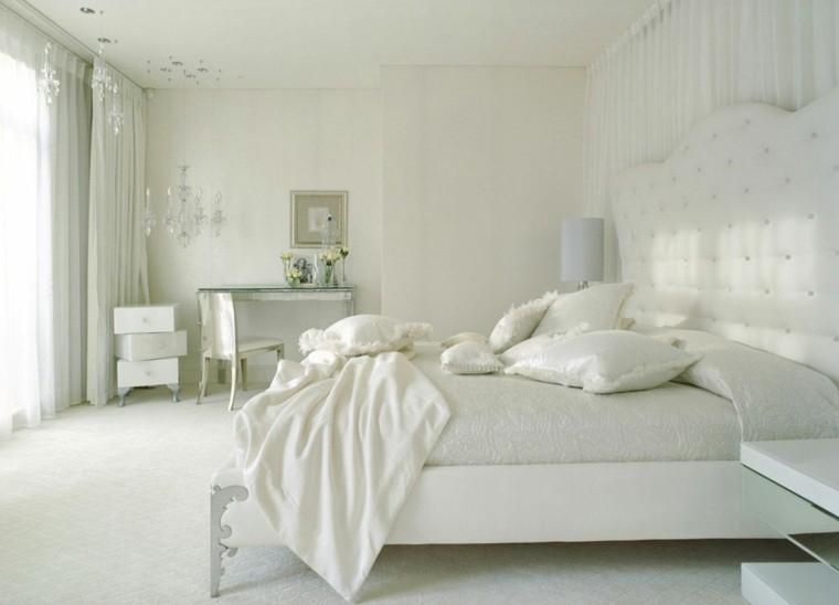 habitacion color blanco clasica gavetero cuadros