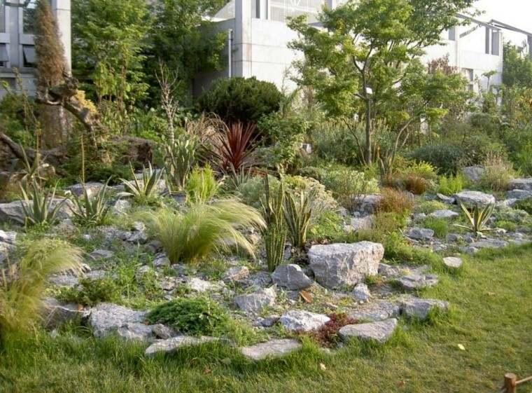hierbas casa madera cesped rocas