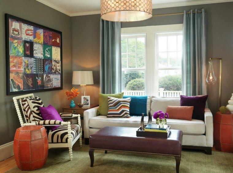Decoración de salones pequeños con colores vibrantes