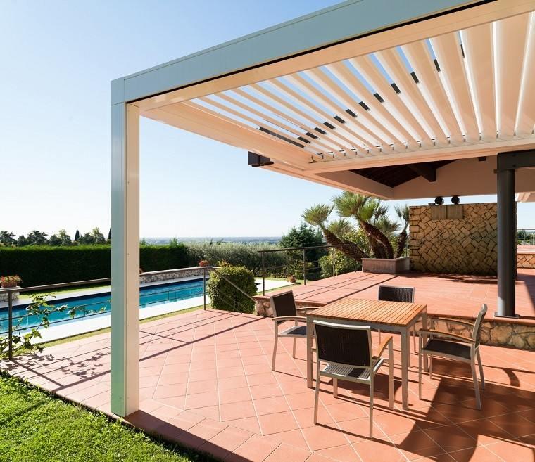 Ideas interesantes de p rgolas en el jard n o terraza for Pergolas para piscinas