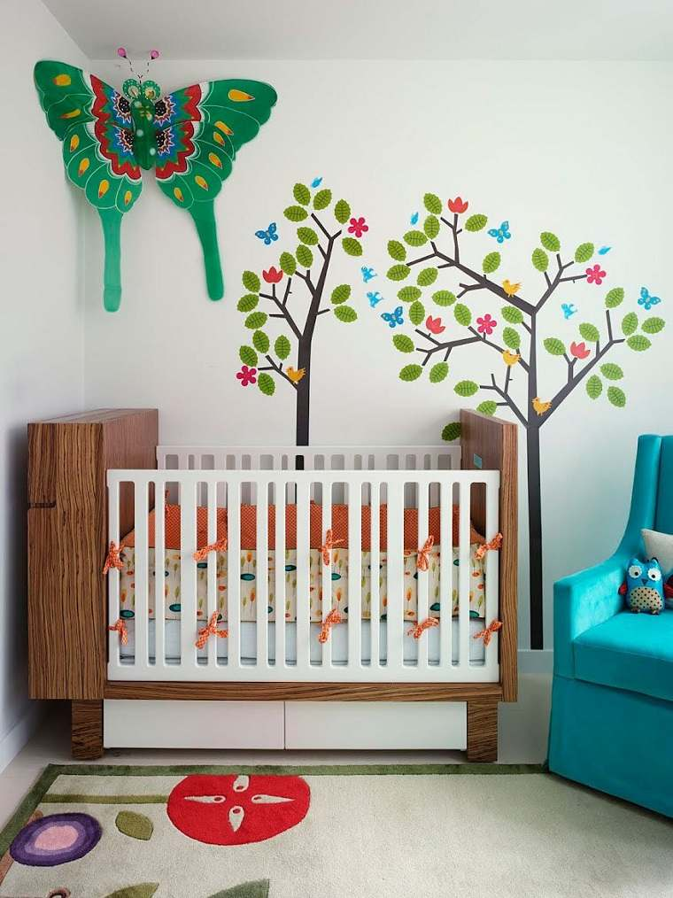 ideas para habitaciones de bebe mariposa arbol pared moderna