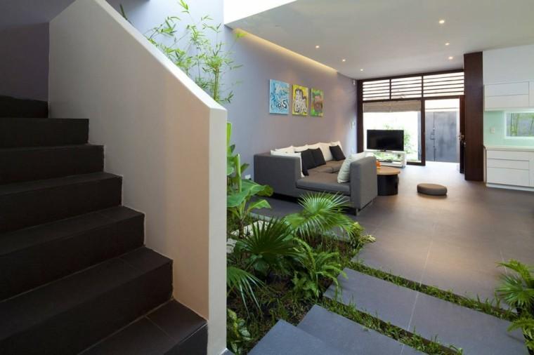 interior pequeño escalones casa sendero