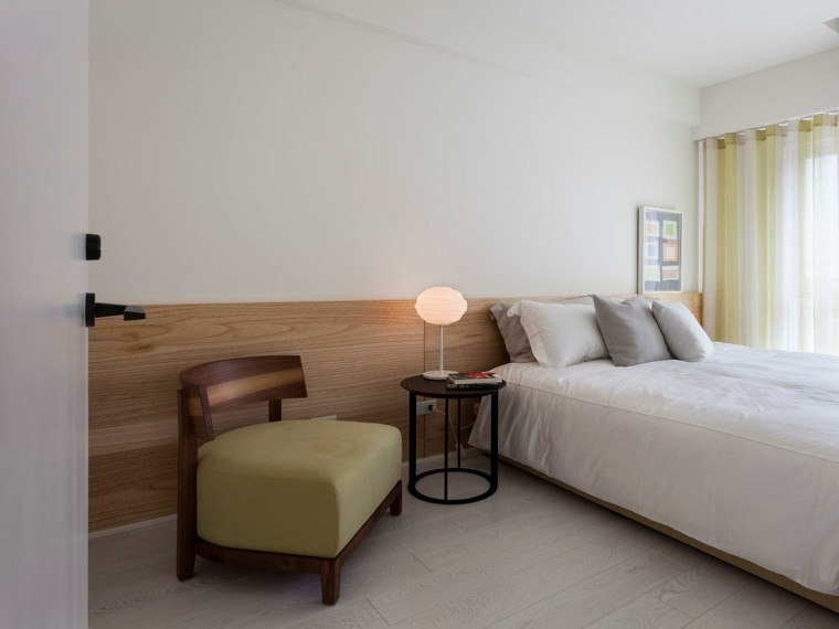 Interiores minimalistas 100 ideas para el dormitorio - Butaca para dormitorio ...